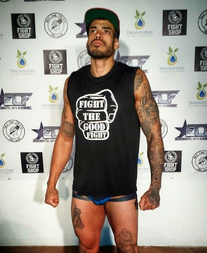 Pro MMA Fighter Luis Reyes. FTGF, http://www.faceslick.com/