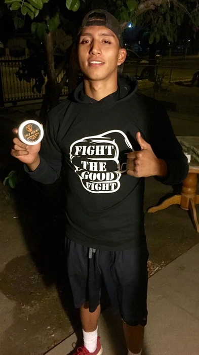 Saul Bustamonte Pro Boxer with Face Slick Sparring Balm http://www.faceslick.com/